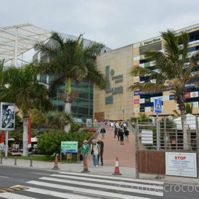 El Muelle Shopping Mall