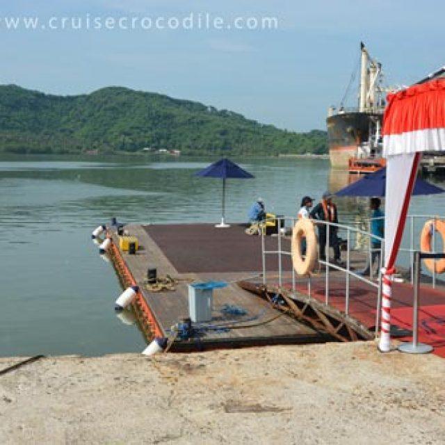 Lombok tender pier