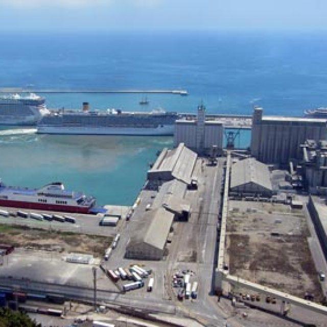 Barcelona cruise dock
