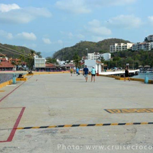 Huatulco cruise dock