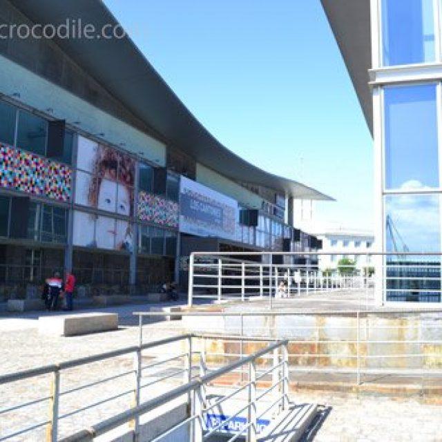 Los Cantones shopping mall