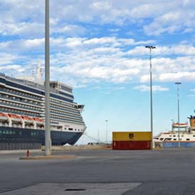 Iraklion cruise dock
