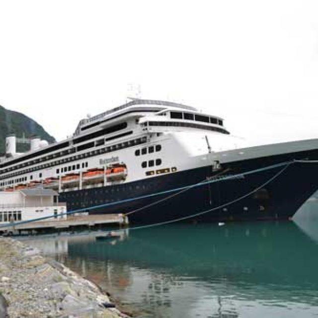 Skjolden cruise dock